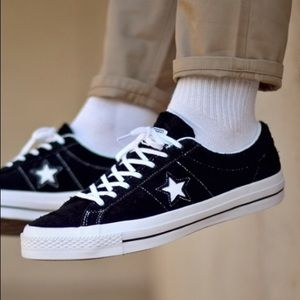 Converse Black & White Suede One Star